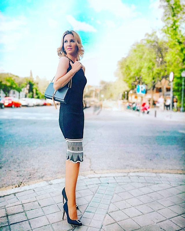 Sólo porque algo no te esté pasando ahora no significa que no te vaya a pasar nunca✨ . . #fashion#blogdemoda#style#eveningdress#stylish#moda#tendencias#ladylike#instadaily