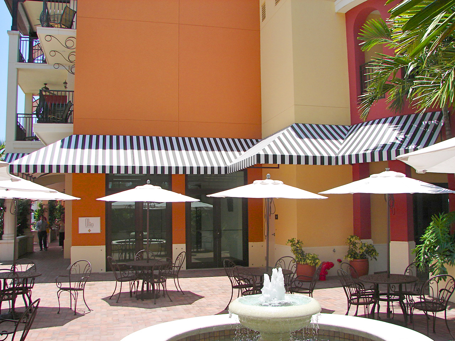 custom_fixed_awning_32.jpg