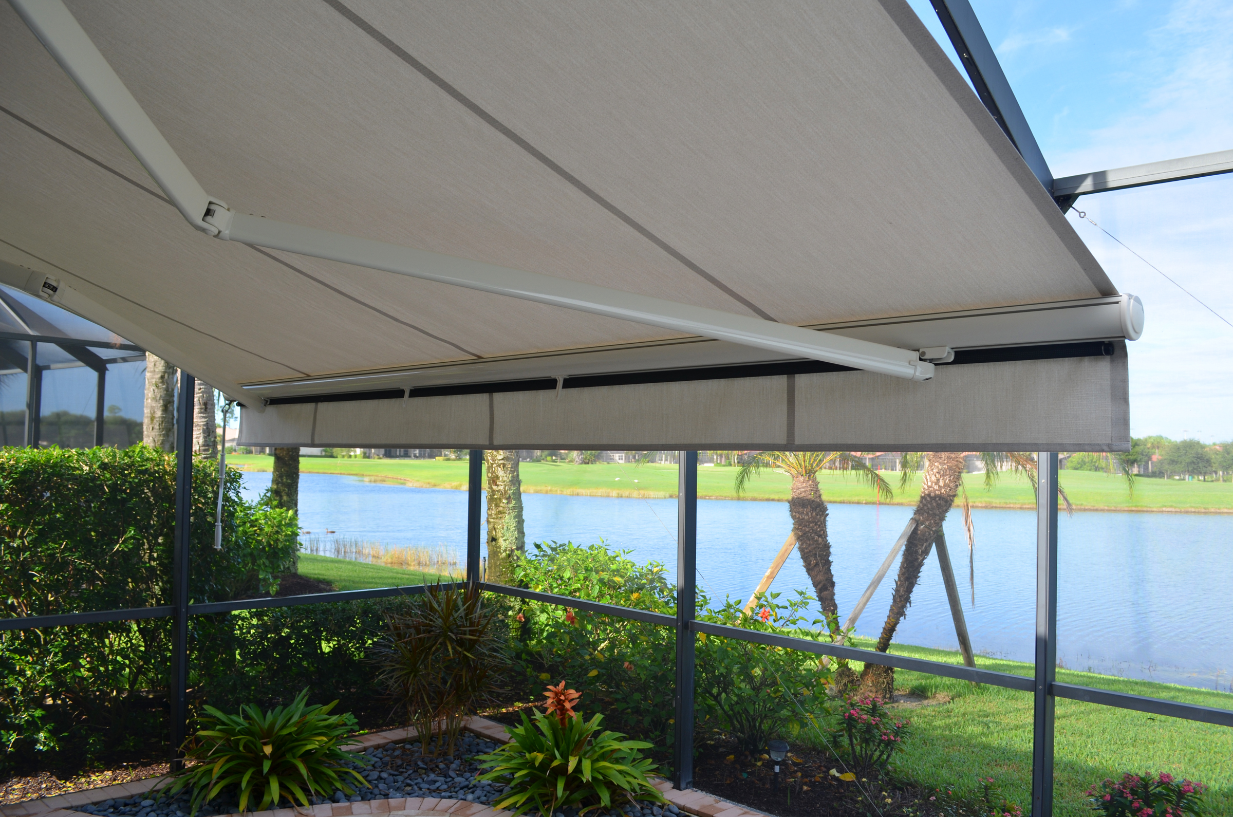 retractable_awning_02.jpg