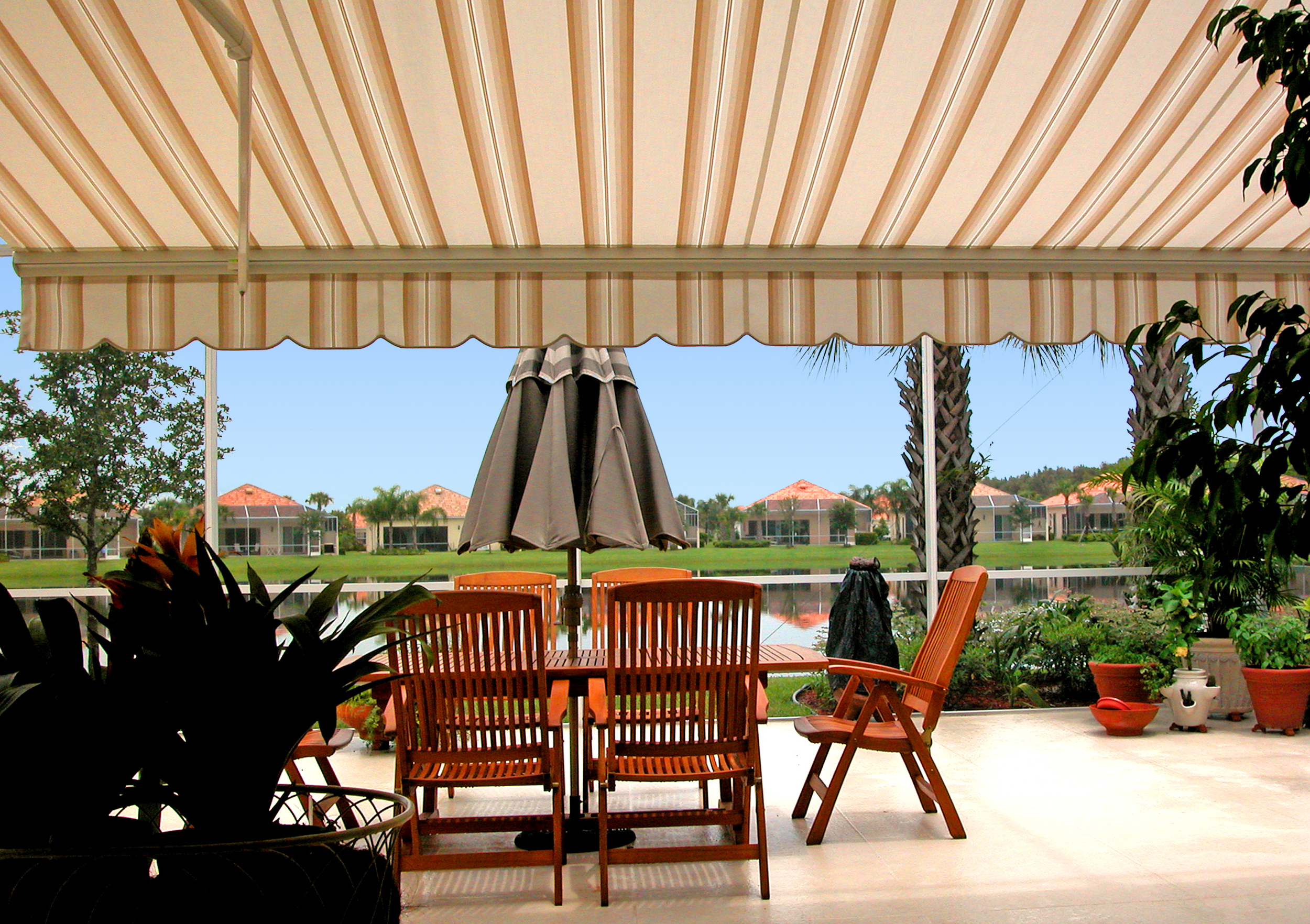retractable_awning_06.jpg