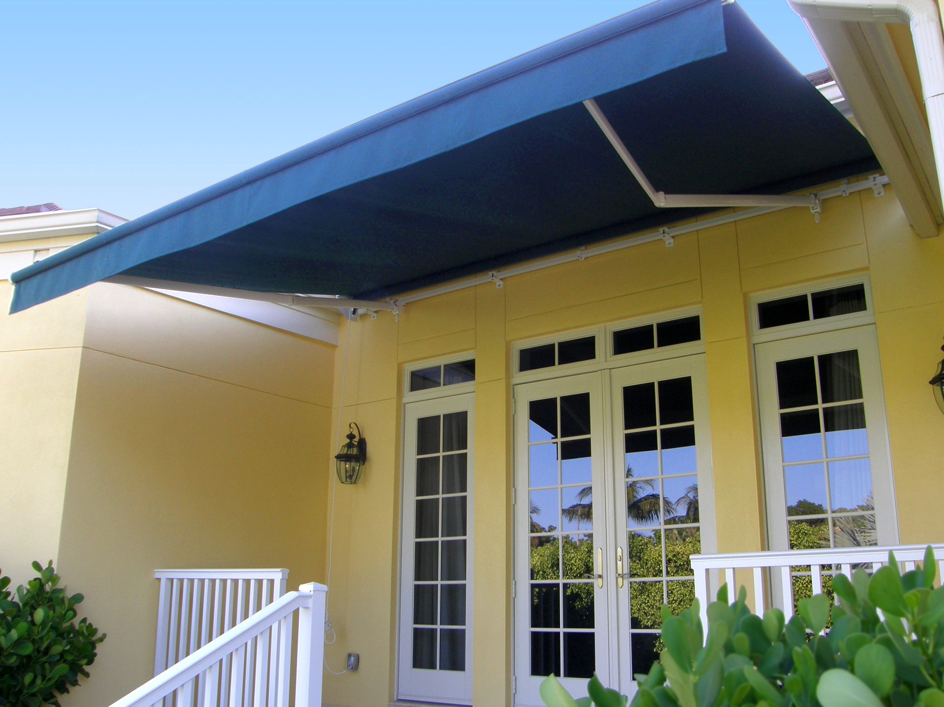 retractable_awning_09.jpg