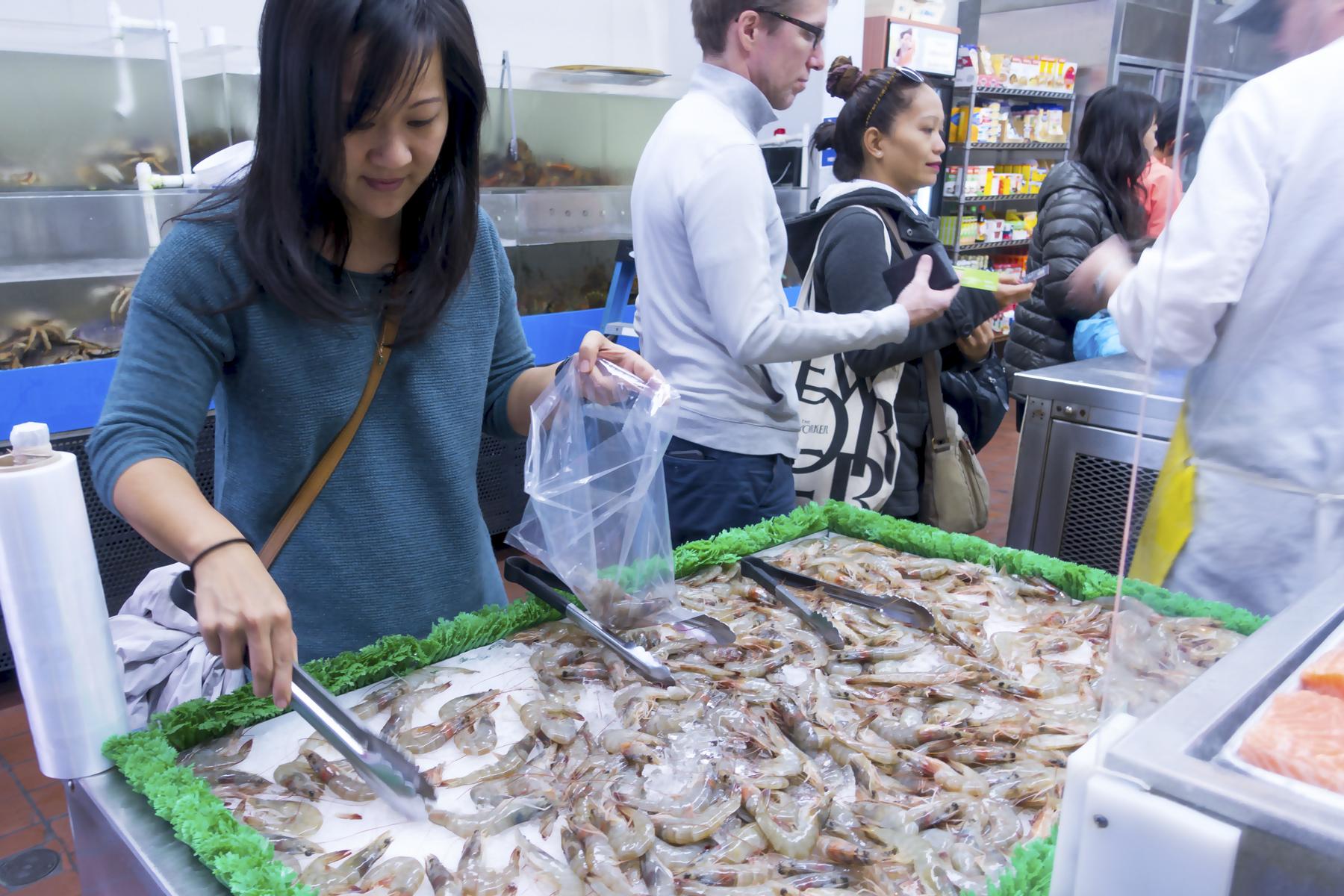 01-fish-market-3.jpg