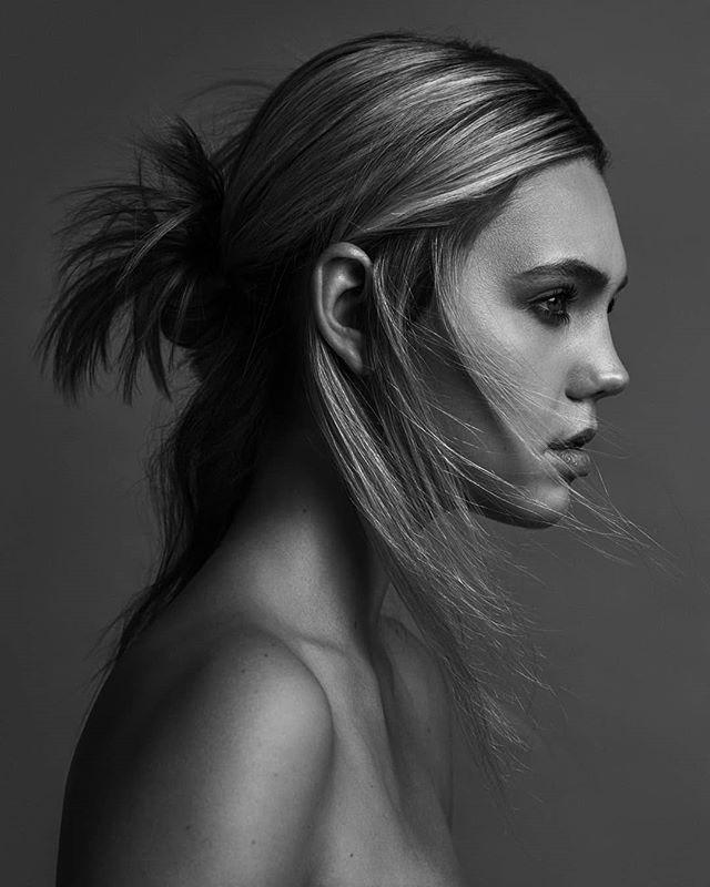 . Model: @lyndenfruit / @kimdawsonagency  Hair & Makeup: @samanthalandis / @seaminxartistmgmt . . . . . #kimdawson #model #modelsofinstagram #dallasmodel #femalemodel #woman #chic #hair #hairstyle #brows #smokey #blonde #art #makeupartist #styledshoot #mua #photography #photooftheday #photographer #dallasphotographer #dallas #beauty #bwphoto #bwphotography #skin