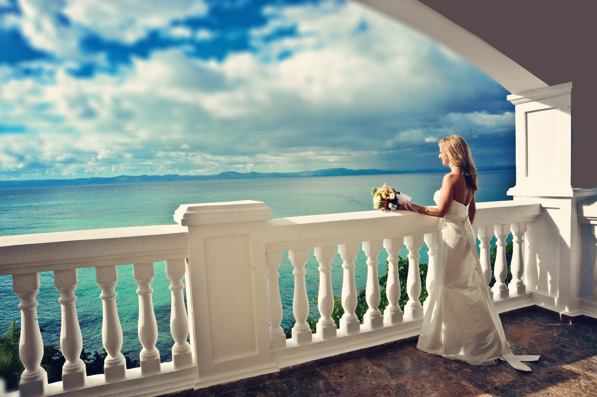 Suzanne Bridal on Balcony2.jpg
