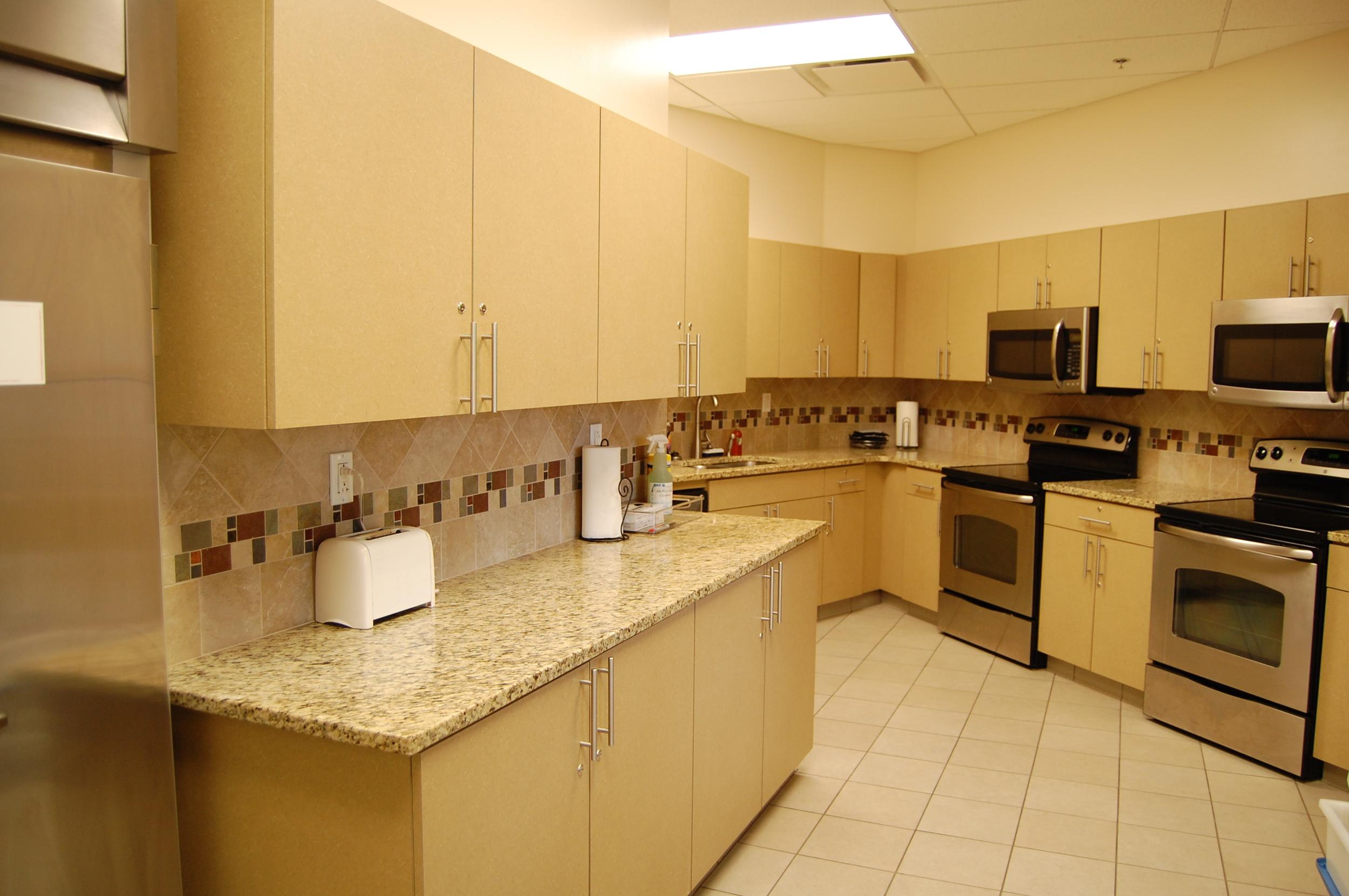kitchen dining 2.JPG