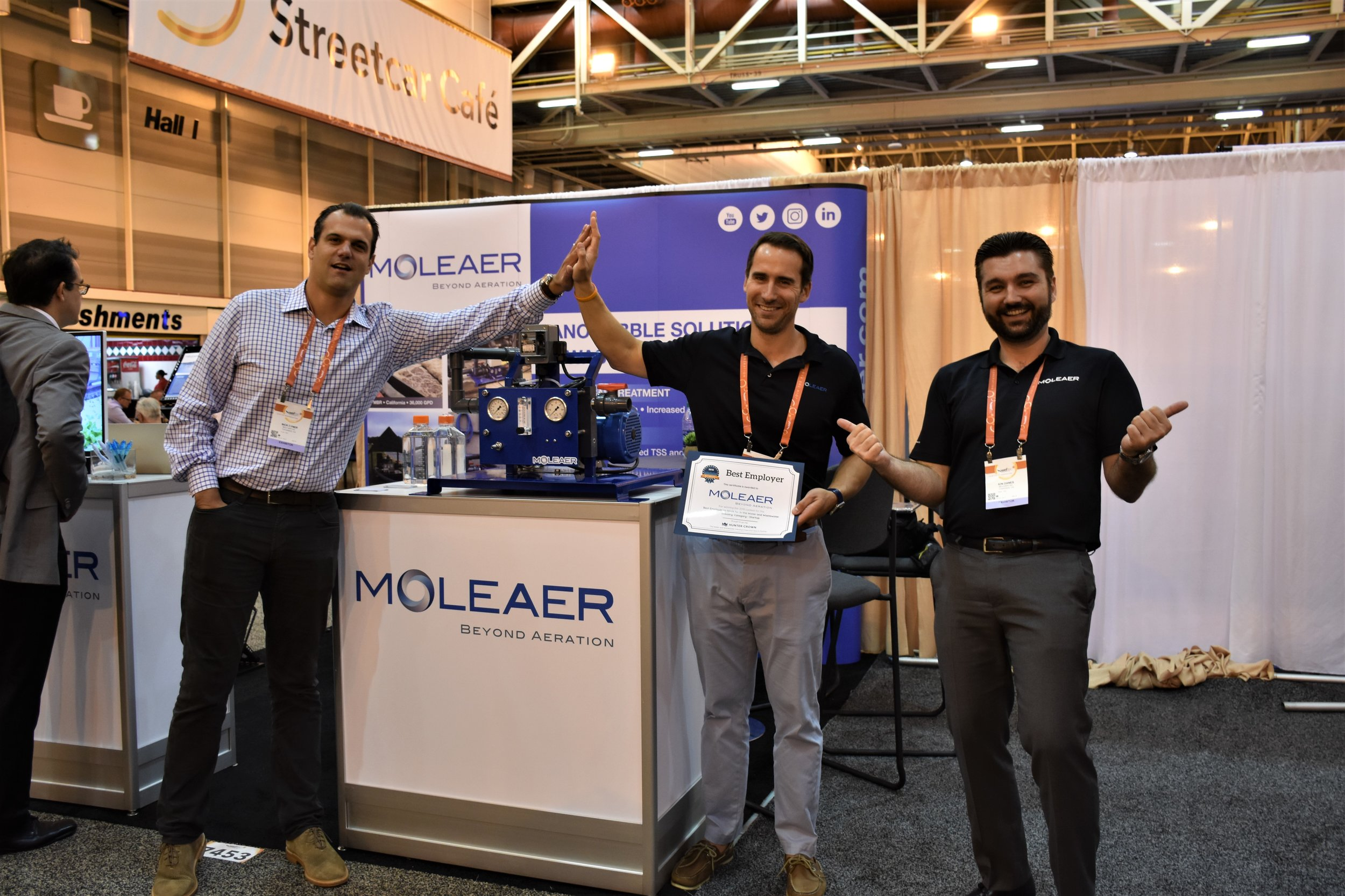 Moleaer accepts Best Employer Award: Category - Startup