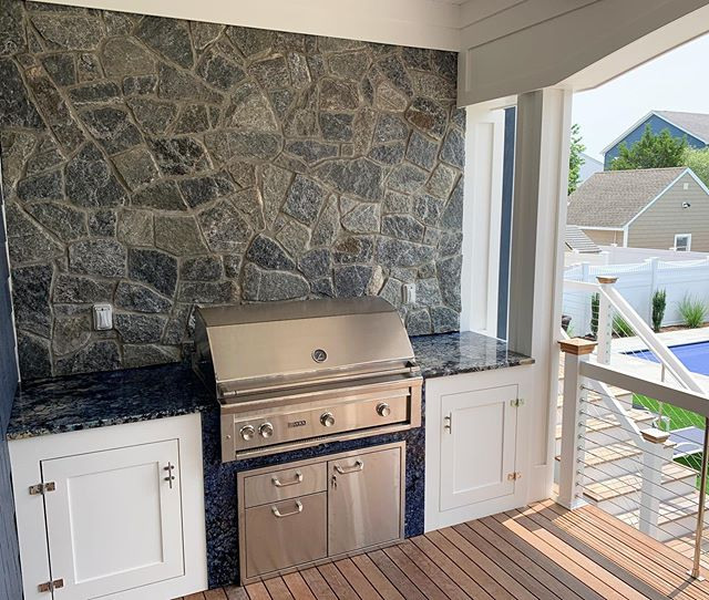 Custom built-in outdoor grill. #homeswellbuilt #liveswelllived