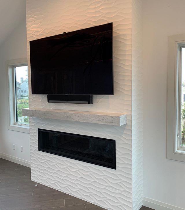 Mezzo 60 modern fireplace 🔥 #modernhomes #wkcoastalbuilders #homeswellbuilt #liveswelllived