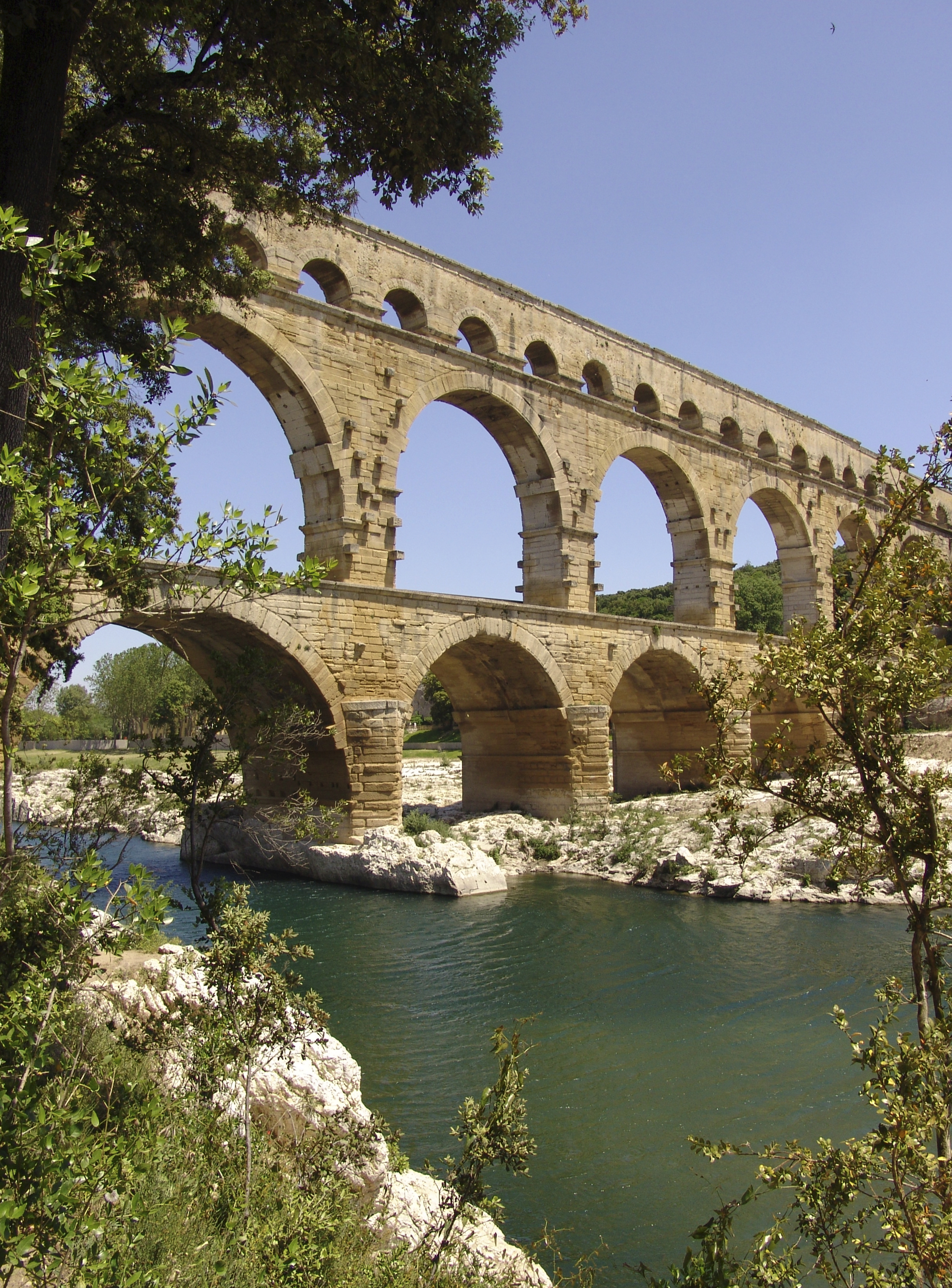 Pont du Gard iS.jpg