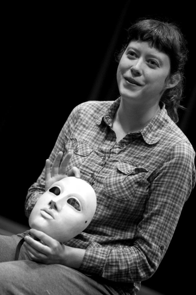 Sara teaches Neutral Mask in Winnipeg for Femfest.