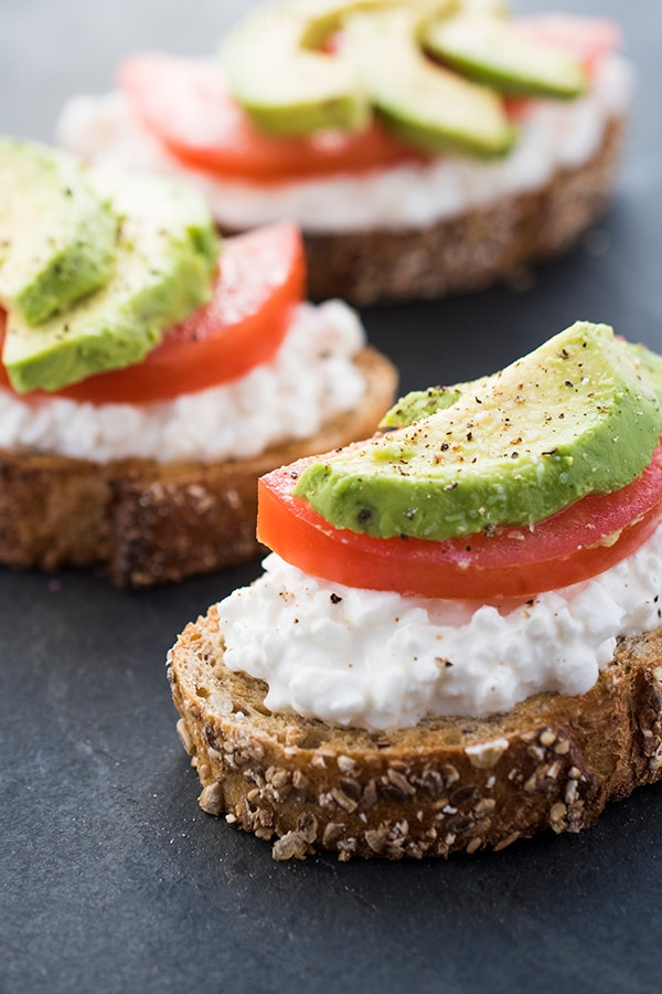 Avocado-Toast-with-Cottage-Cheese-and-Tomatoes-a-healthy-breakfast-or-lunch-recipe.jpg