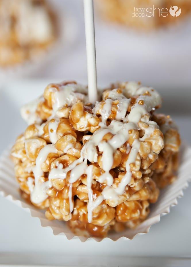 Pumpkin-spice-caramel-popcorn-balls-with-white-chocolate-drizzle-10.jpg