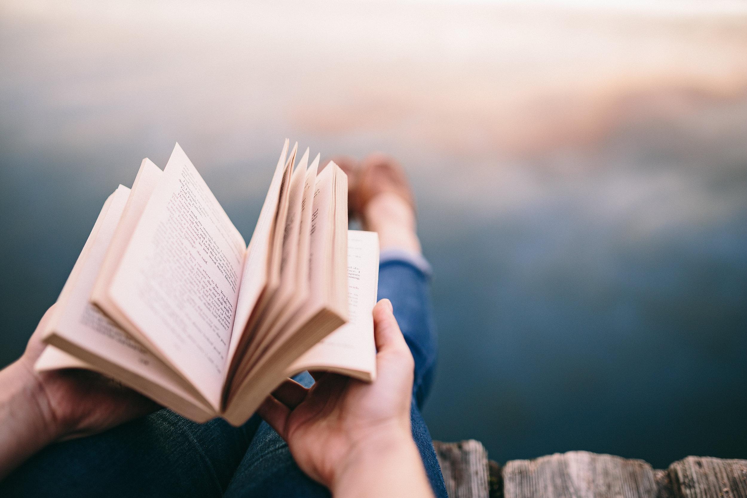 kaboompics_Reading book at lake (6).jpg