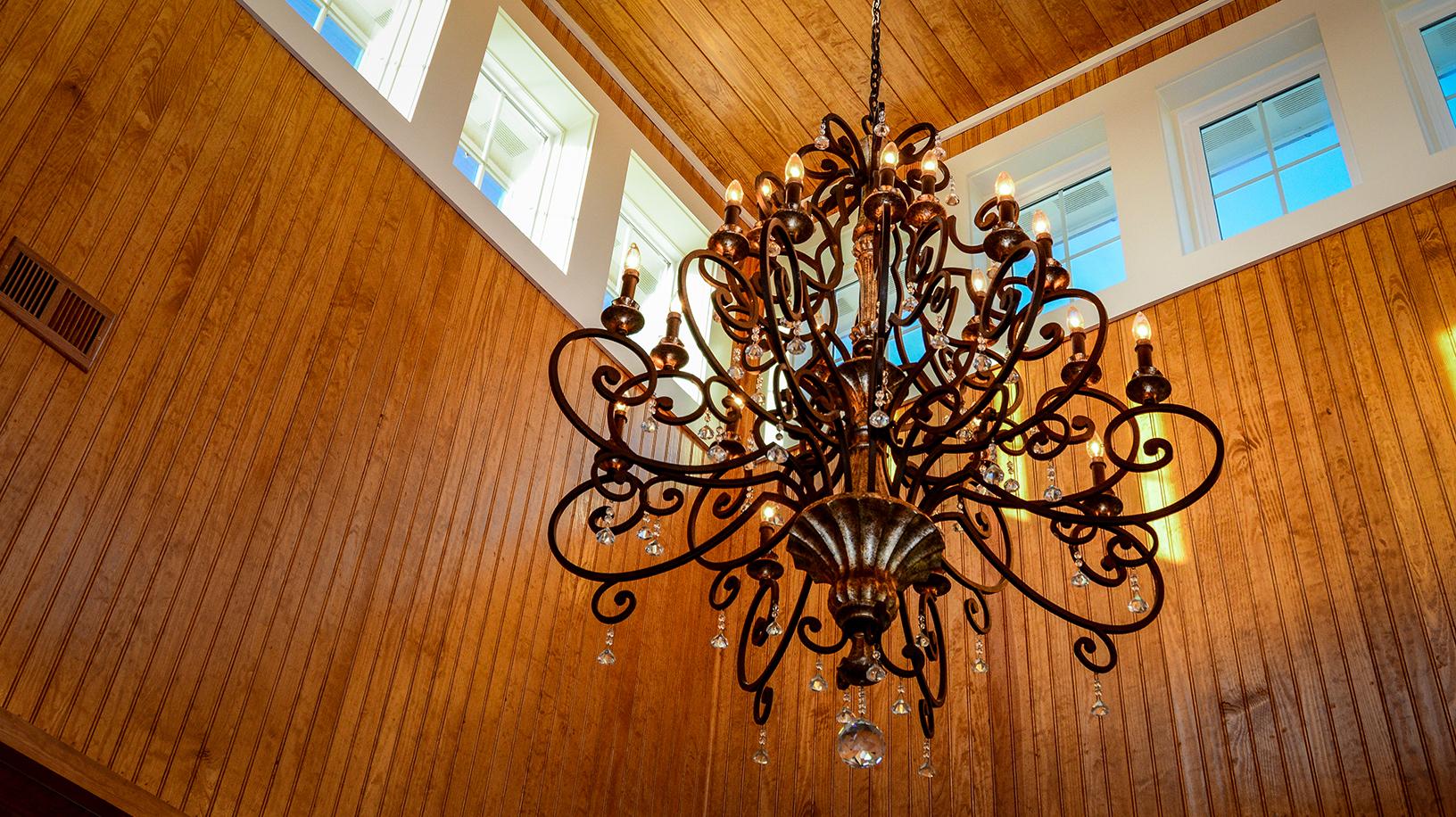 ER009-chandelier.jpg