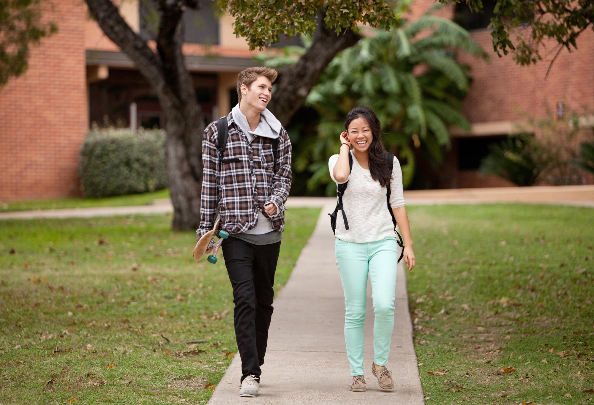 17_students_walking.jpg