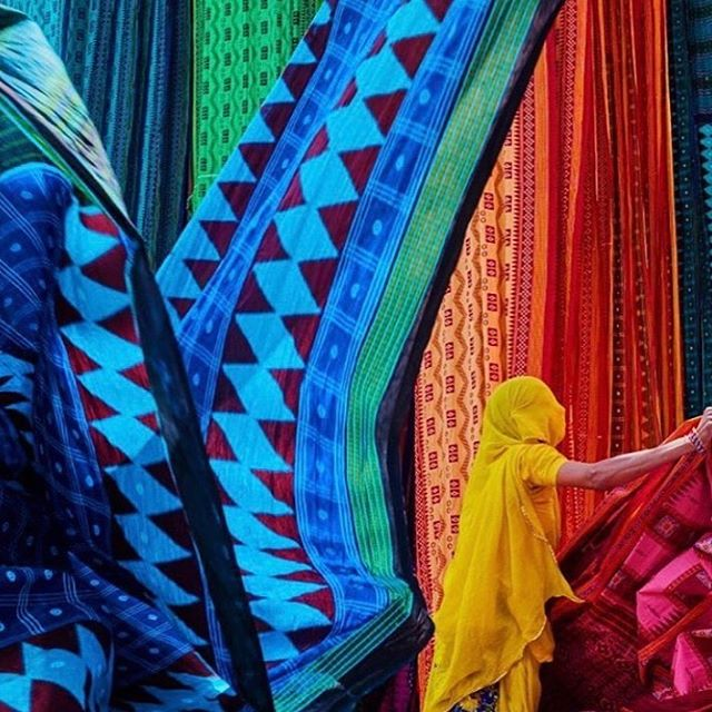 The grey skies and all this rain in Sydney is making me miss the #colours of #india  The colourful #textiles #traditions #people #land  Brilliant image of a sari factory by @bruno_morandi #tuulbrunomorandi . . . . . #indotexaustralia  #indotex #textile #indian #incredibleindia #ethicalfashion #ethical #sustainable #organic #fairtrade #homewares #interior #design #cotton #linen #handwoven #import #source #monday