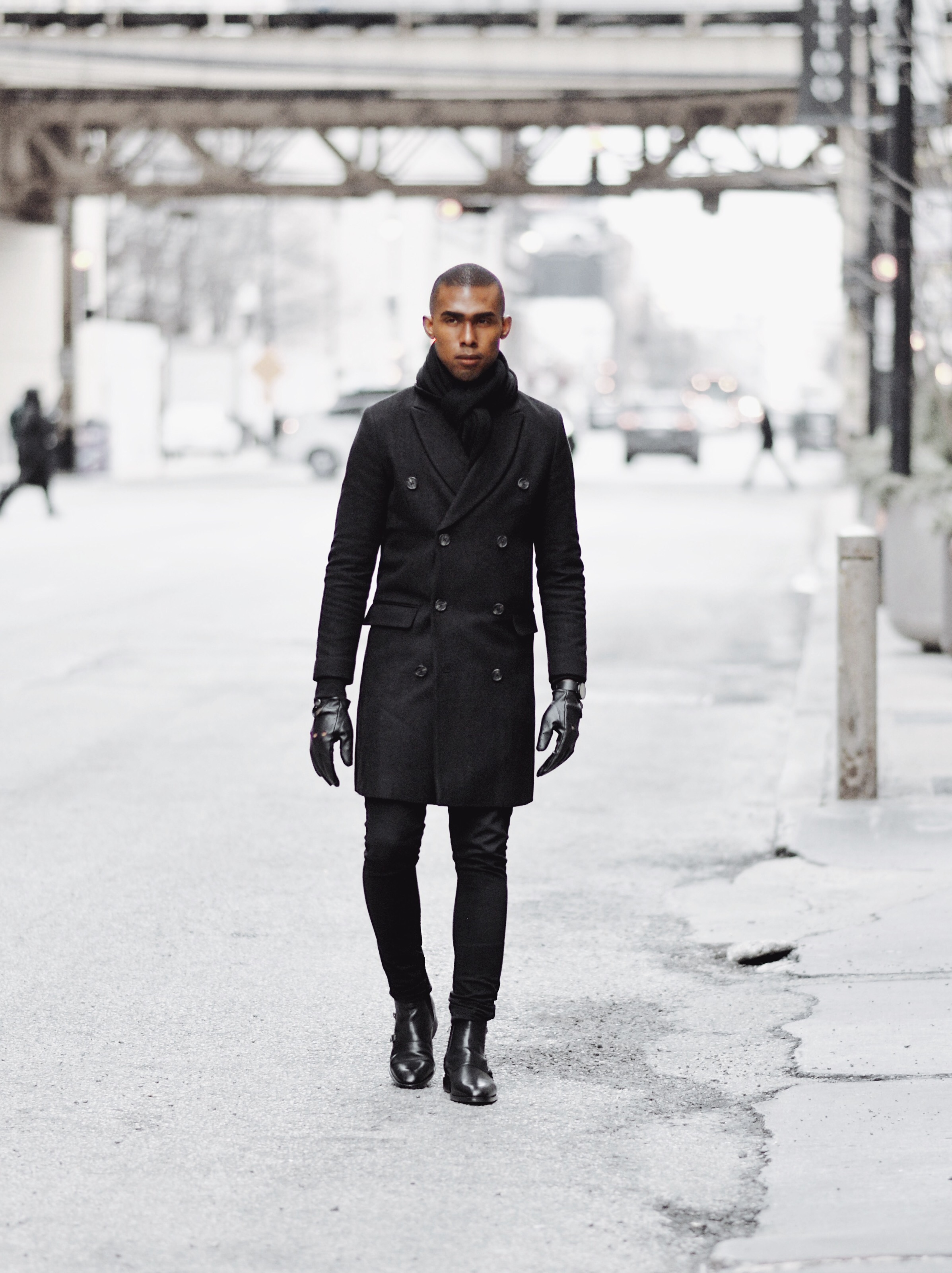 The-Look-Principle-Black-Overcoat-In-The-Winter.jpg
