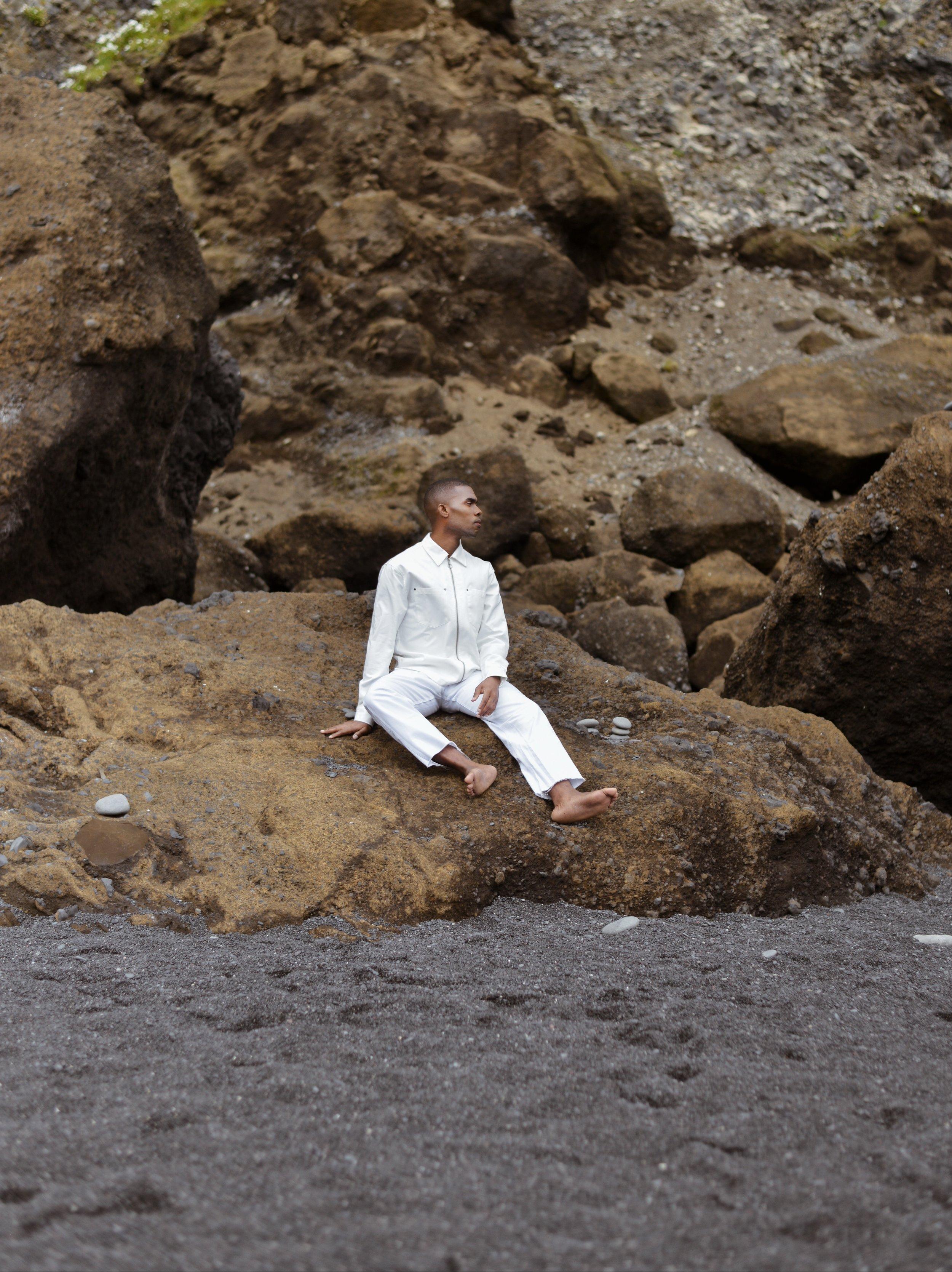 The-Look-Principle-Editorial-Reynisfjara-Beach-14.jpg