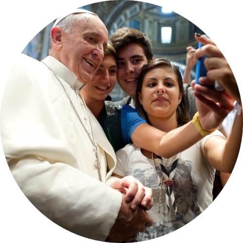 Francis Selfie Circle.jpg