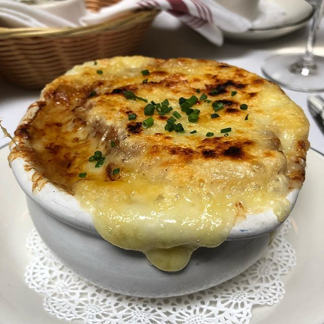 Another wonderful appetizer @chezbillysud #french #onion #soup #chezbillysud #the #best #french #cuisine #houndstoothinteriors