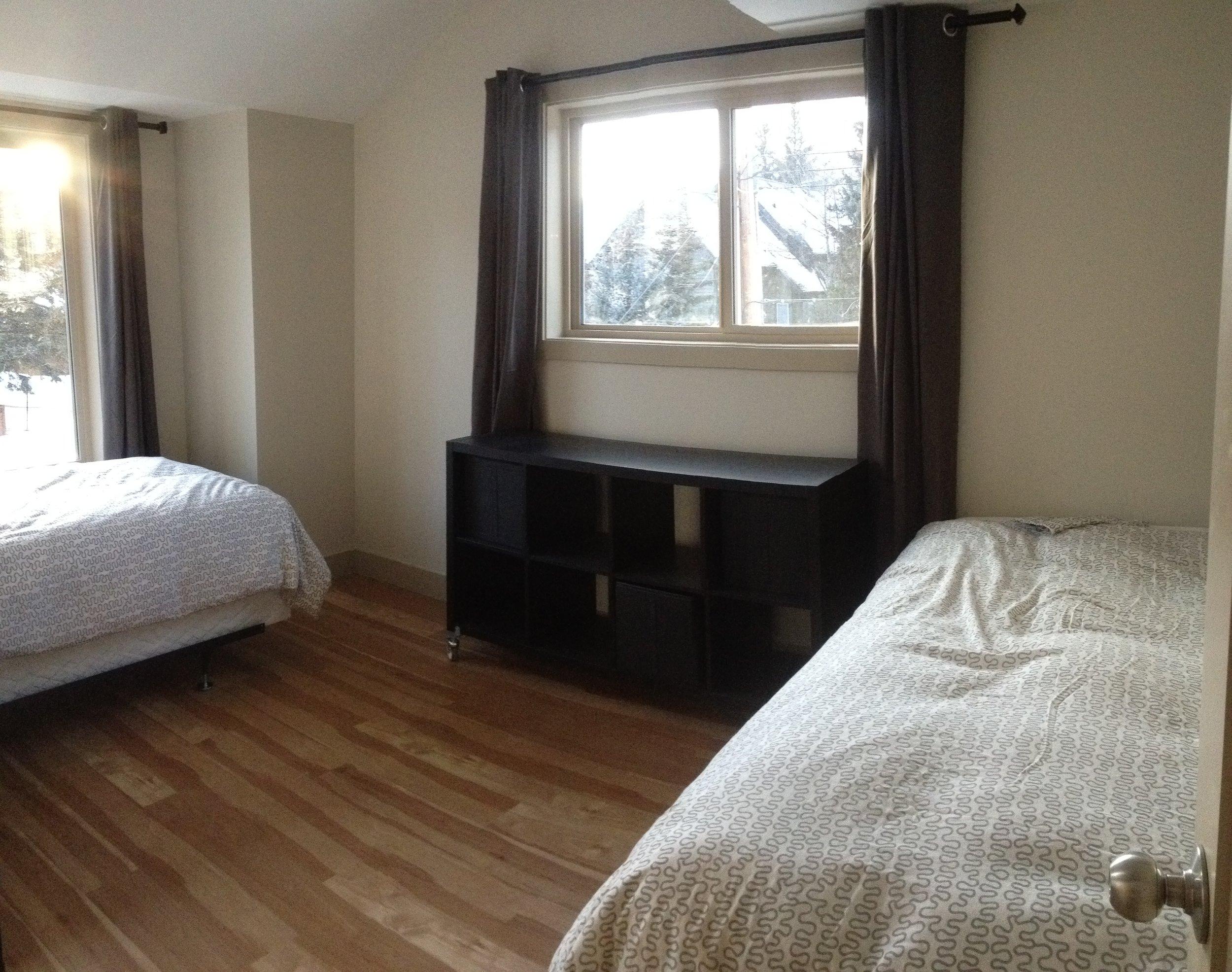 336A Bedroom (1).JPG