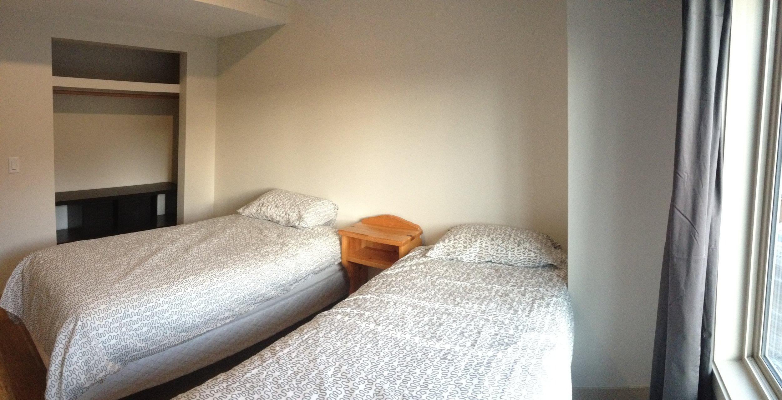 336a Bedroom (2).JPG
