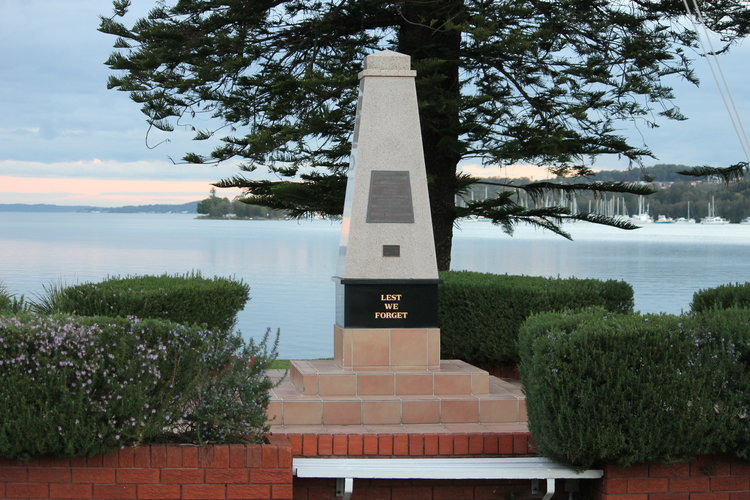 SPEERS POINT CENOTAPH