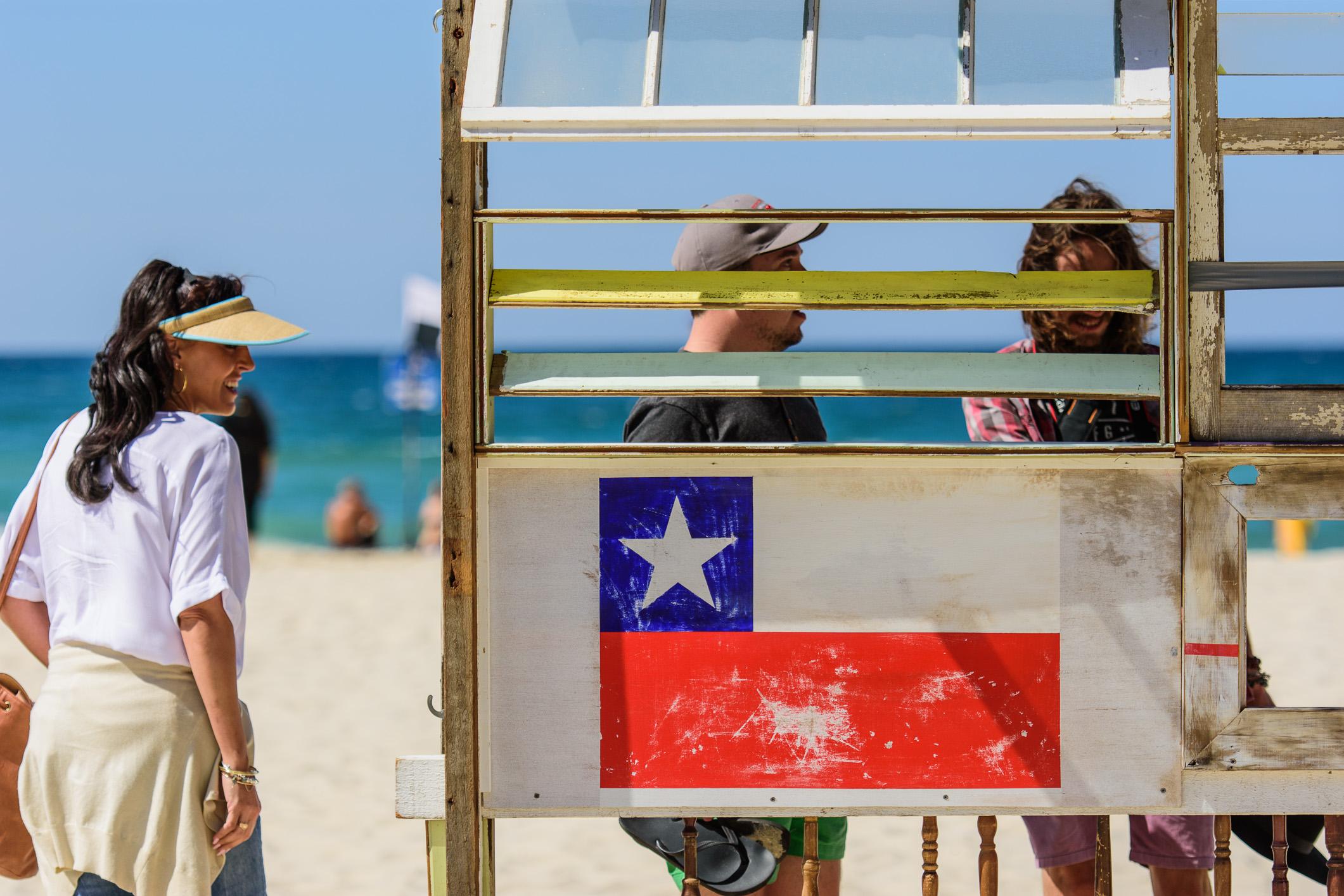 BUS STOP - DIRECTION - LA SERENA CHILE  I  ROSI GRIFFIN  I  QLD