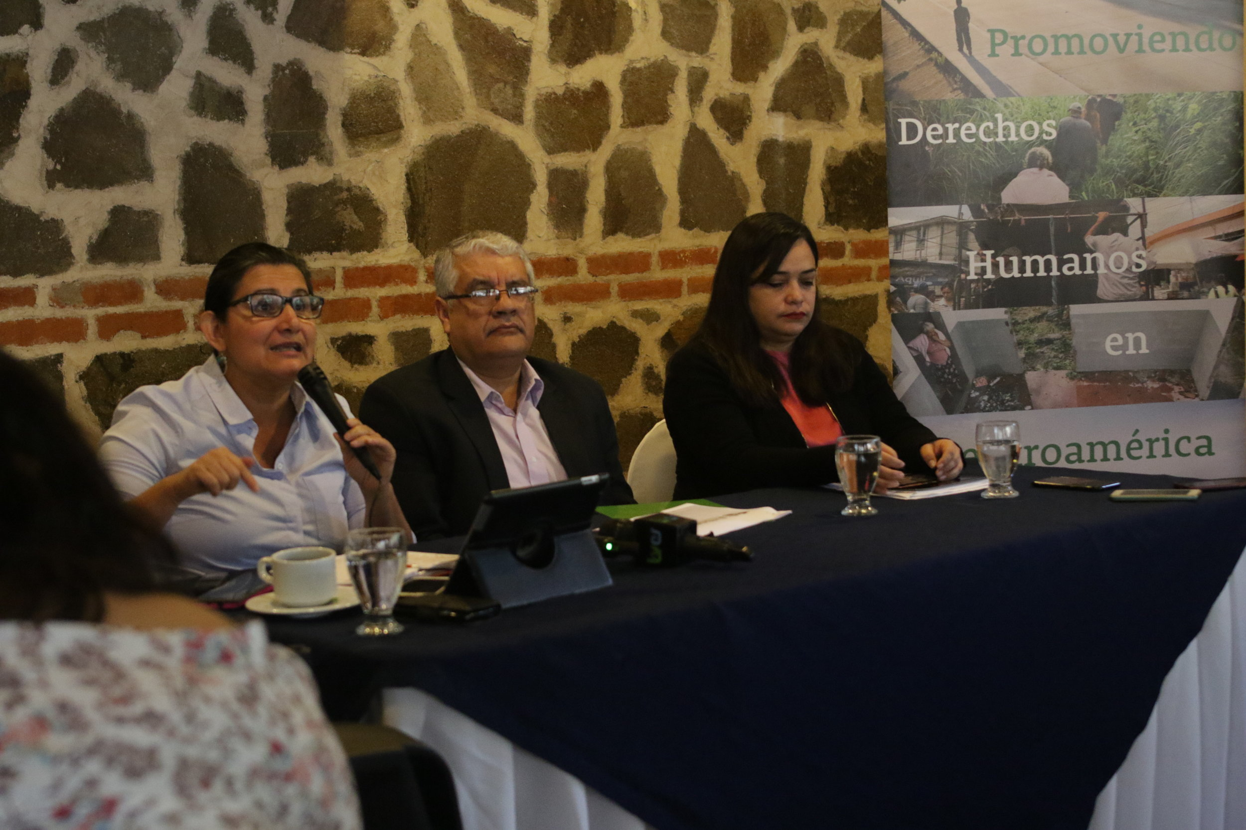 Celia Medrano, Cristosal Chief Program Officer, speaks at a press conference Tuesday. / Photo Cristosal