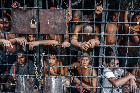 """Photo: Giles Clarke for his series """"Caged in El Salvador."""