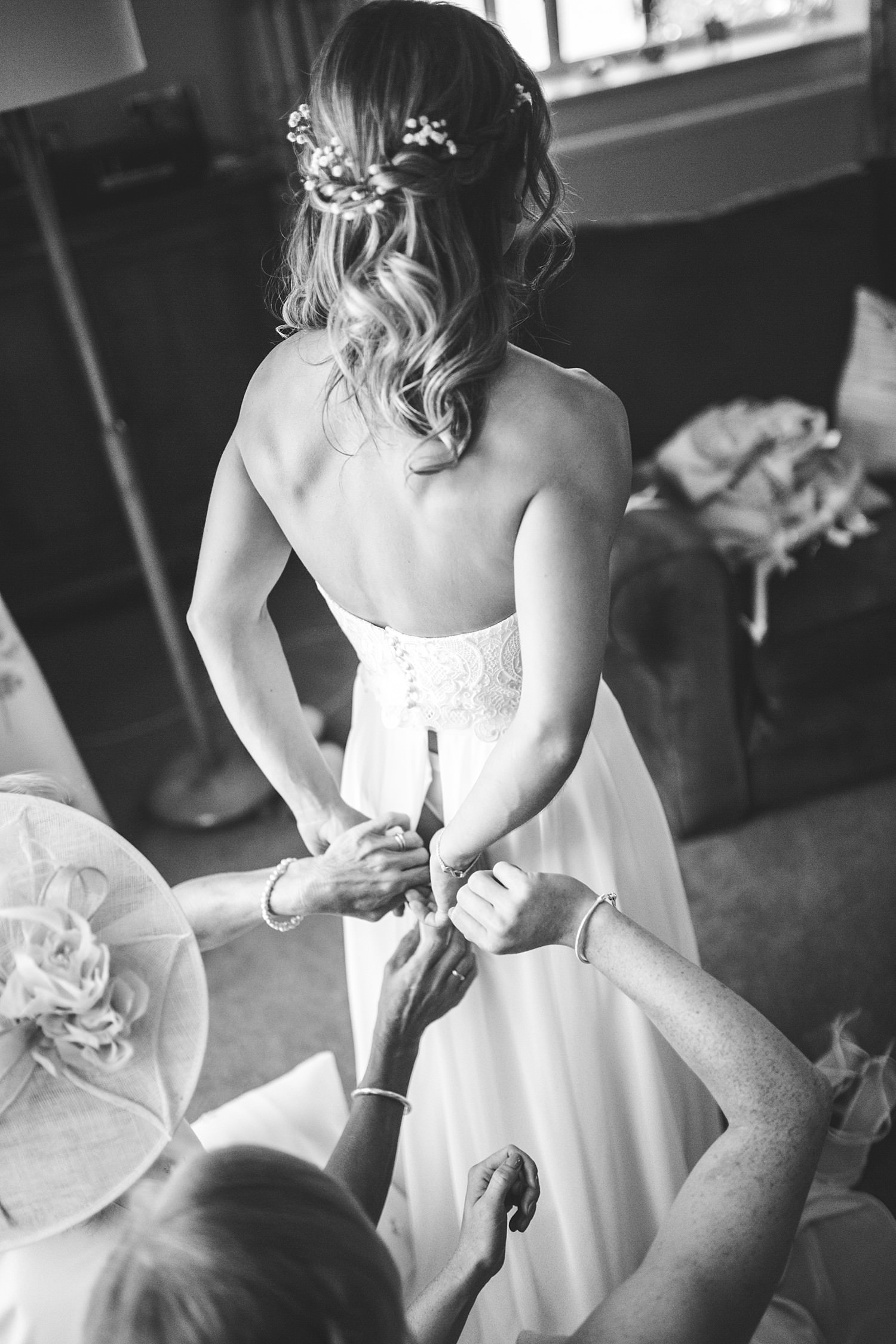 Cornwall wedding photographer in Wiltshire at Church Farm Wedding Photography