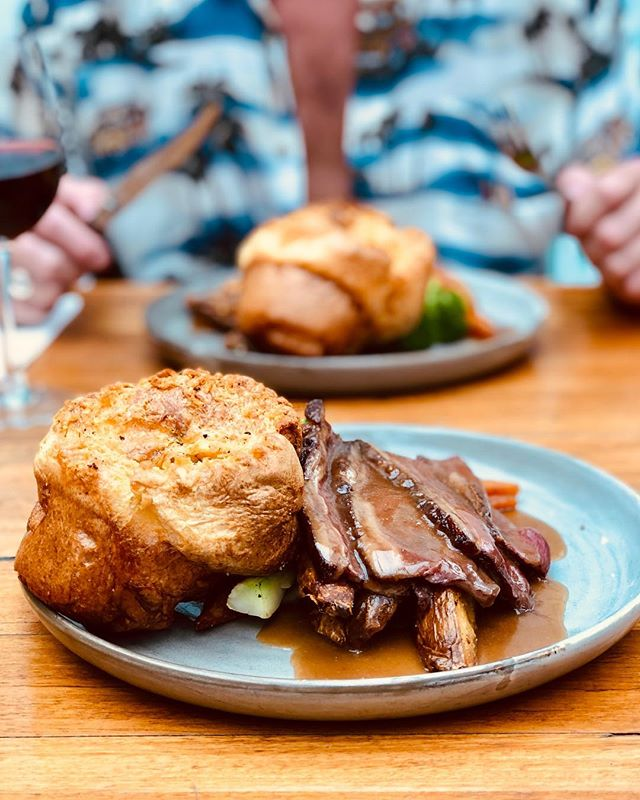 HAPPY SUNDAY! . We are open from 12pm today and will be serving our traditional Sunday Roast just $25 or $30 with a glass of house Red 🍷 . Today it's our classic Rump cap w Yorkshire Pudding, Roast Carrot, Broccoli, Potato, Soubise & Hood Gravy 🤤 . See ya soon hood friends 😘😘 . #sunday #sundayroast #roast #roastbeef #lunch  #bondilocal #bondibeach #thisisourhood