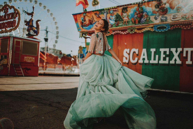 ernestovillalba-aliciarueda-bridalada-wedding-0148-ASE_feria_sevilla_bridalada_feriadeabril_weddingdress_aliciaruedaaltacostura_aliciarueda_moda_scalextric_parque_fashion_atracciones_de.jpg