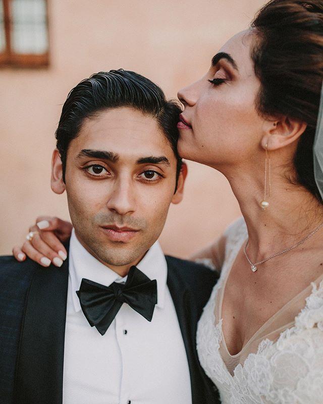 Personality and attitude is what builds your story 💥💥💥 . Wedding planner: @bodasdelsur  MUAH: @oui_novias  Lugar @hmolinillos . #fotografodebodas #weddingphotographer #persianwedding #destinationweddings #bohobride #iranianwedding #weddingsevilla #weddingparty #sevillawedding #weddingstyle #destinationweddingseville #haciendamolinillos #travelcouplesinspiration #junebugwedding wedding #dirtybootsmessyhair #weddinginspiration #nywedding