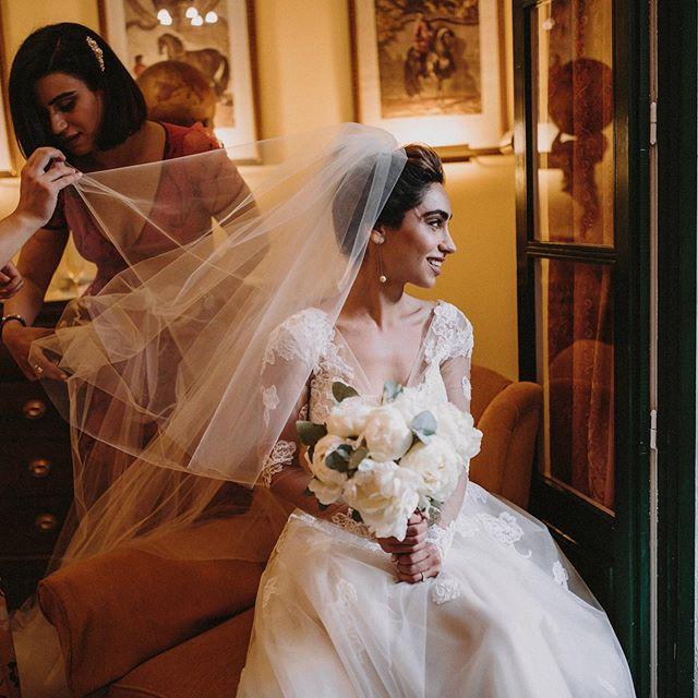 Because your wedding is a big party!  WP @bodasdelsur  Lugar @hmolinillos  Maquillaje y Peluquería @oui_novias  Flores @lagaleriajesusfuertes #persianwedding #sevilladestinationwedding #destinationweddingsevilla #haciendamolinillos #belovedweddingstories #junebugwedding #sevillaboda #weddingphotographer #fotografodebodasevilla #sevillaboda #sevilla #bodapersa