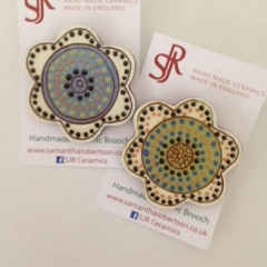 Large Brooches £7.50-£9.00