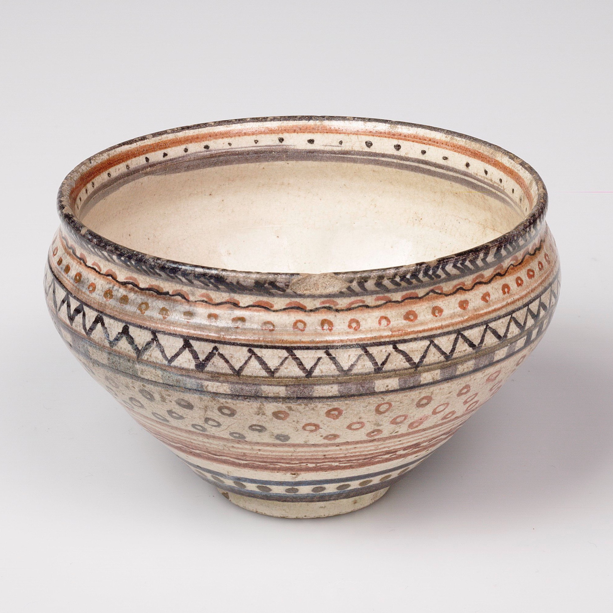 BOWL DECORATED BY BERNARD LEACH