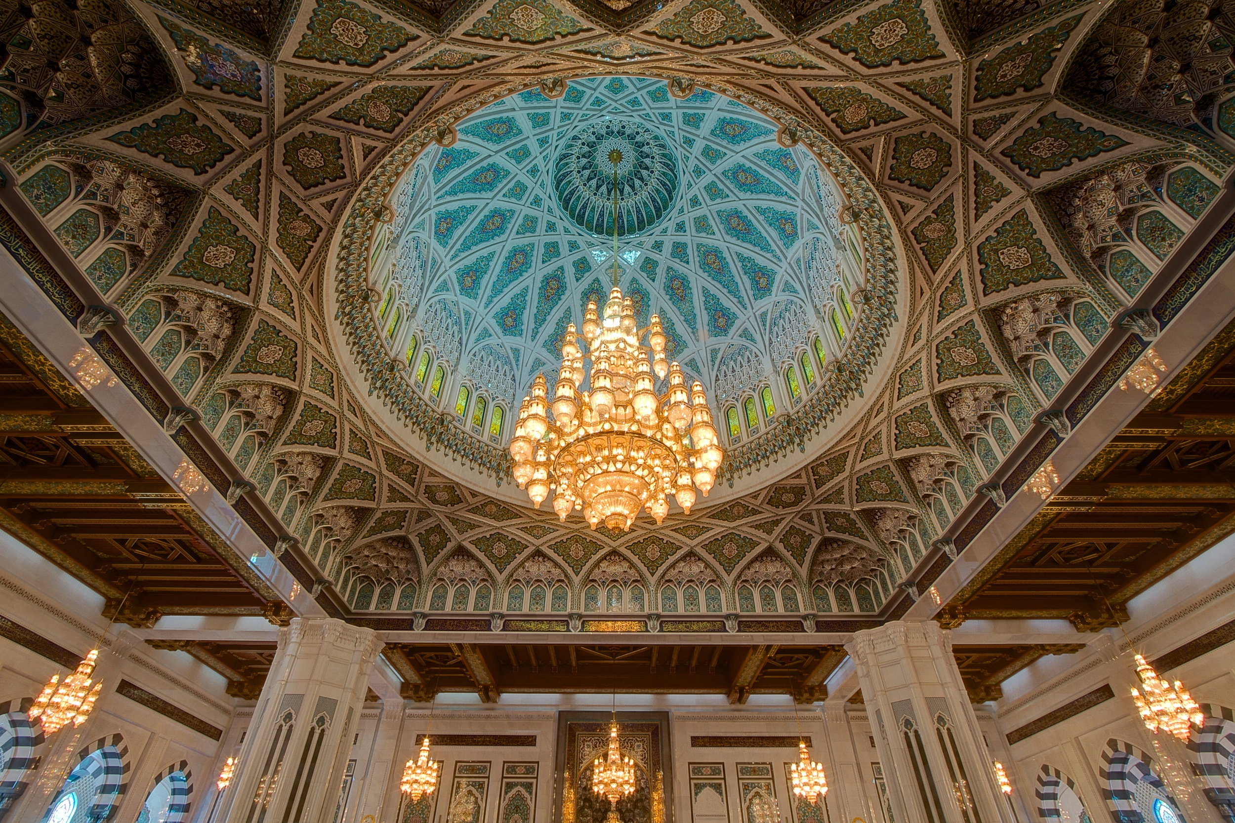 Sultan.Qaboos.Grand.Mosque.original.7014.jpg