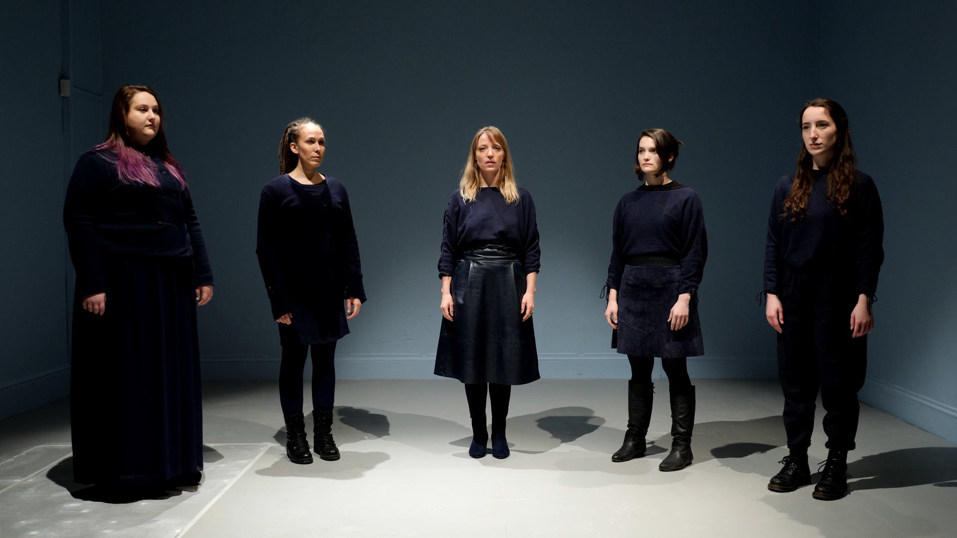 DÓCHAS: HOPE (PART 2)  2018 | Ireland | 5'03'' Director / Choreographer: Ceara Conway  The piece explores universal themes of praise, tragedy and hope. The five voices of the Water Ensemble represent five boats and the unspoken presence of women in the story.