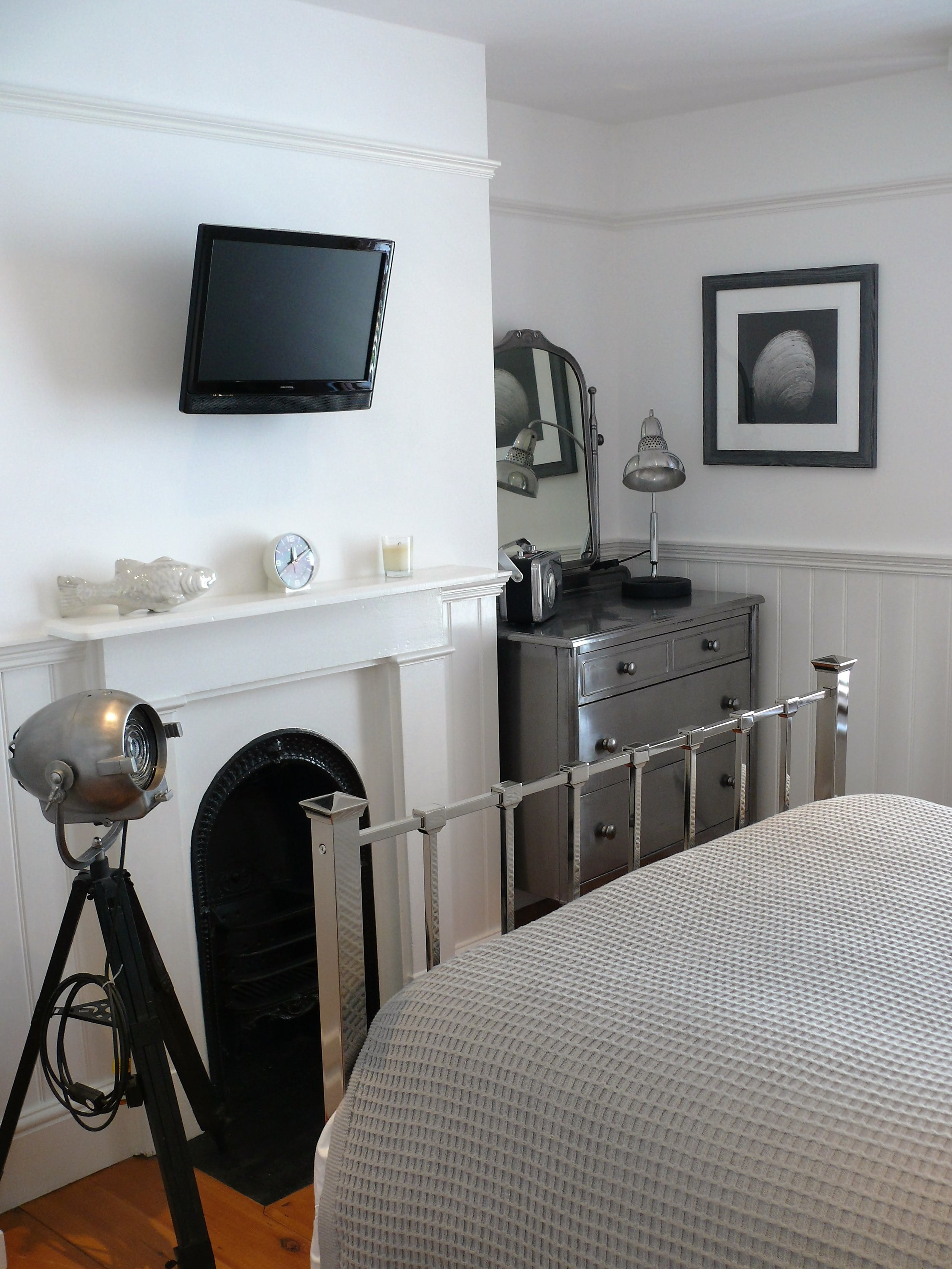 Cap bedroom 1.jpg