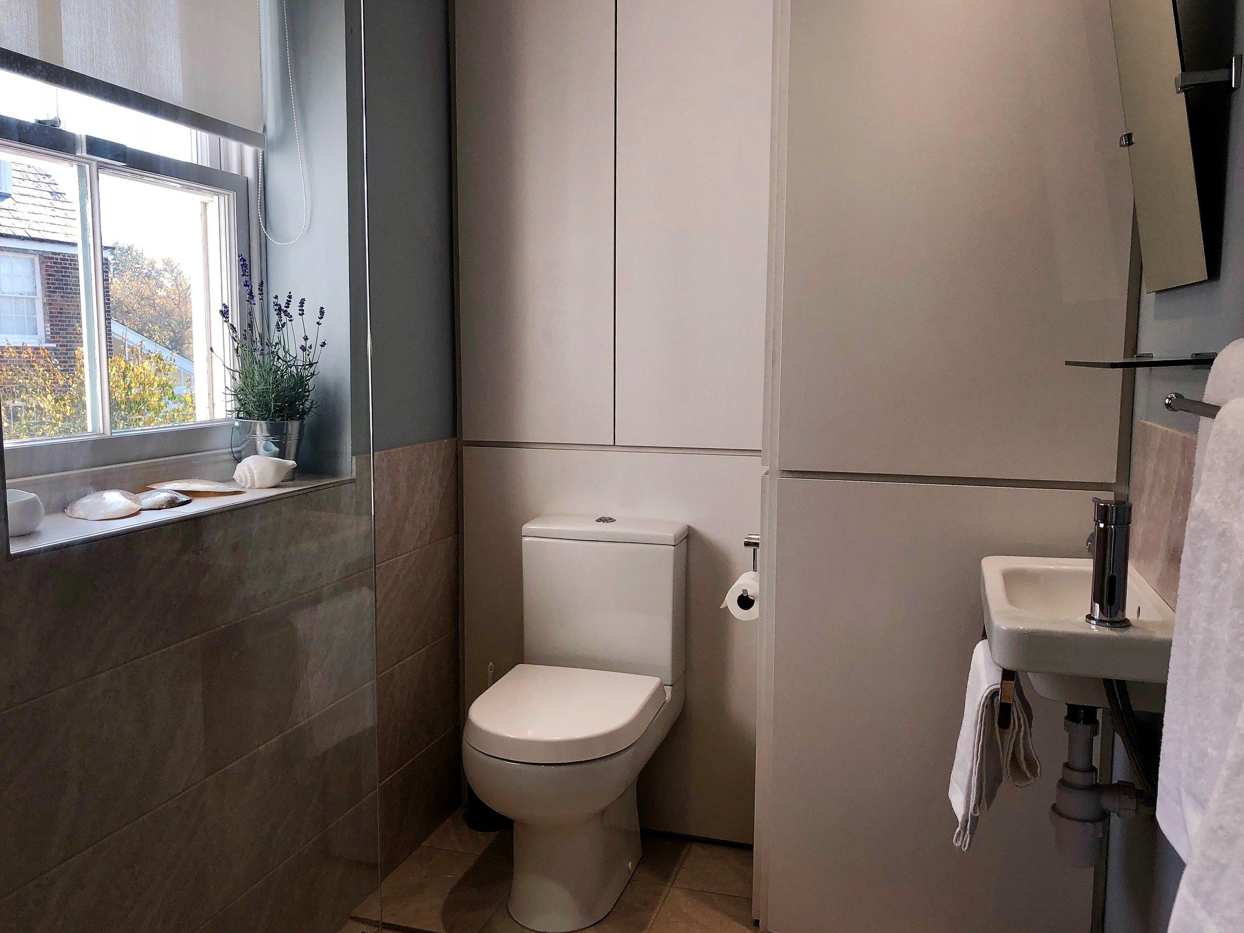 BP shower room (2).jpg