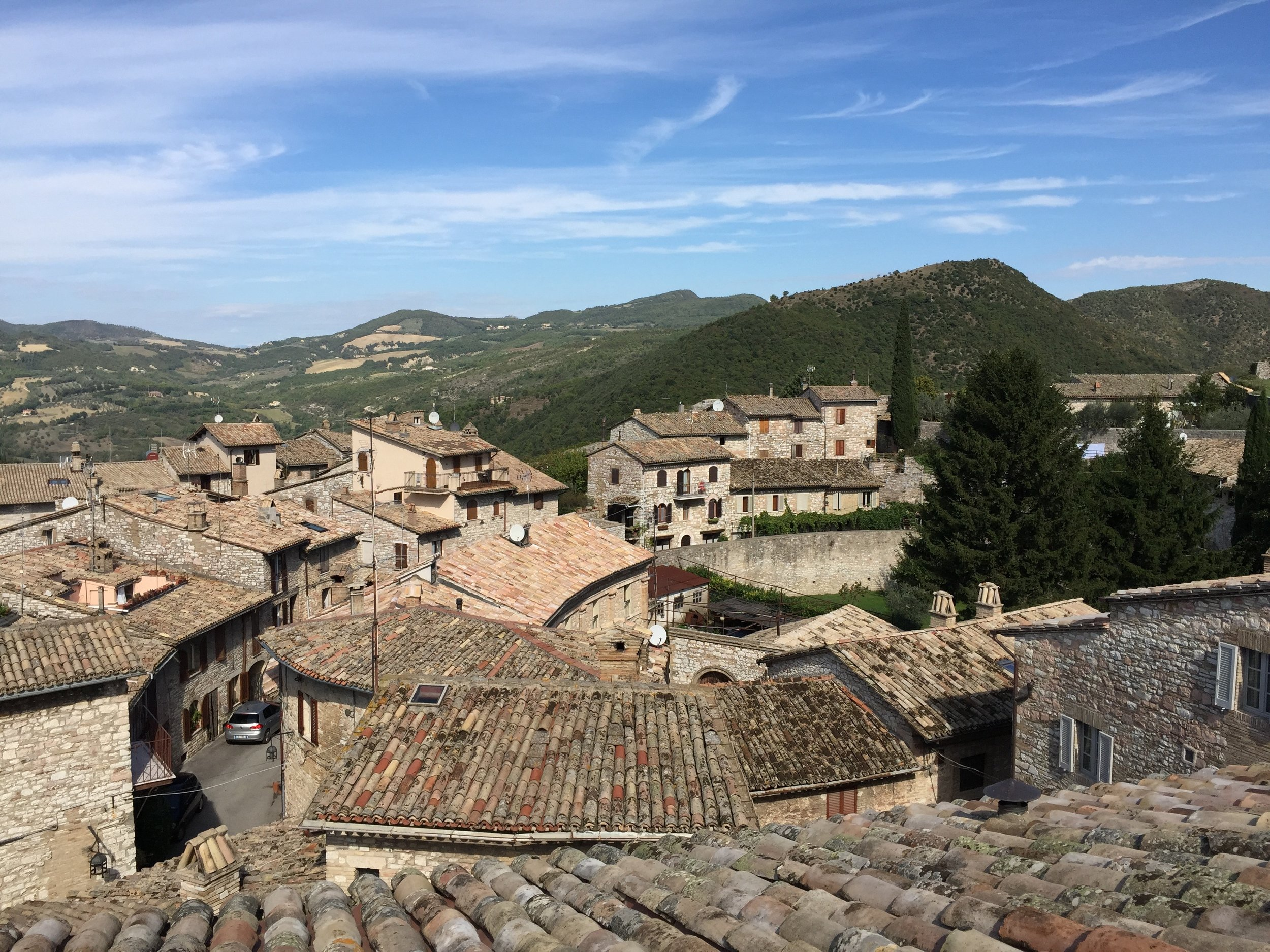 ITA_Assisi_RoofsfromNUN.jpg