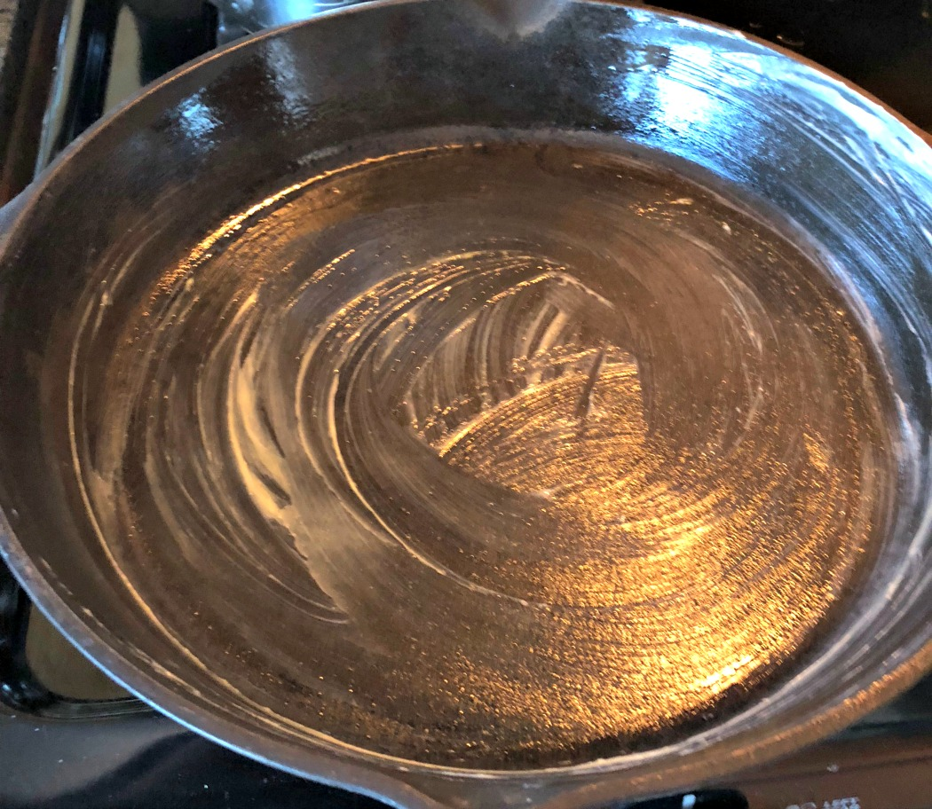My favorite pans to cook or bake with are  cast iron ....They are non-toxic, plus provide your body with extra iron! Win!