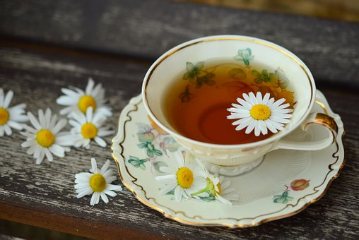 Lovely sweet-scented Chamomile is perfect with Ginseng to calm OR with Passion Flower for a great night's sleep!