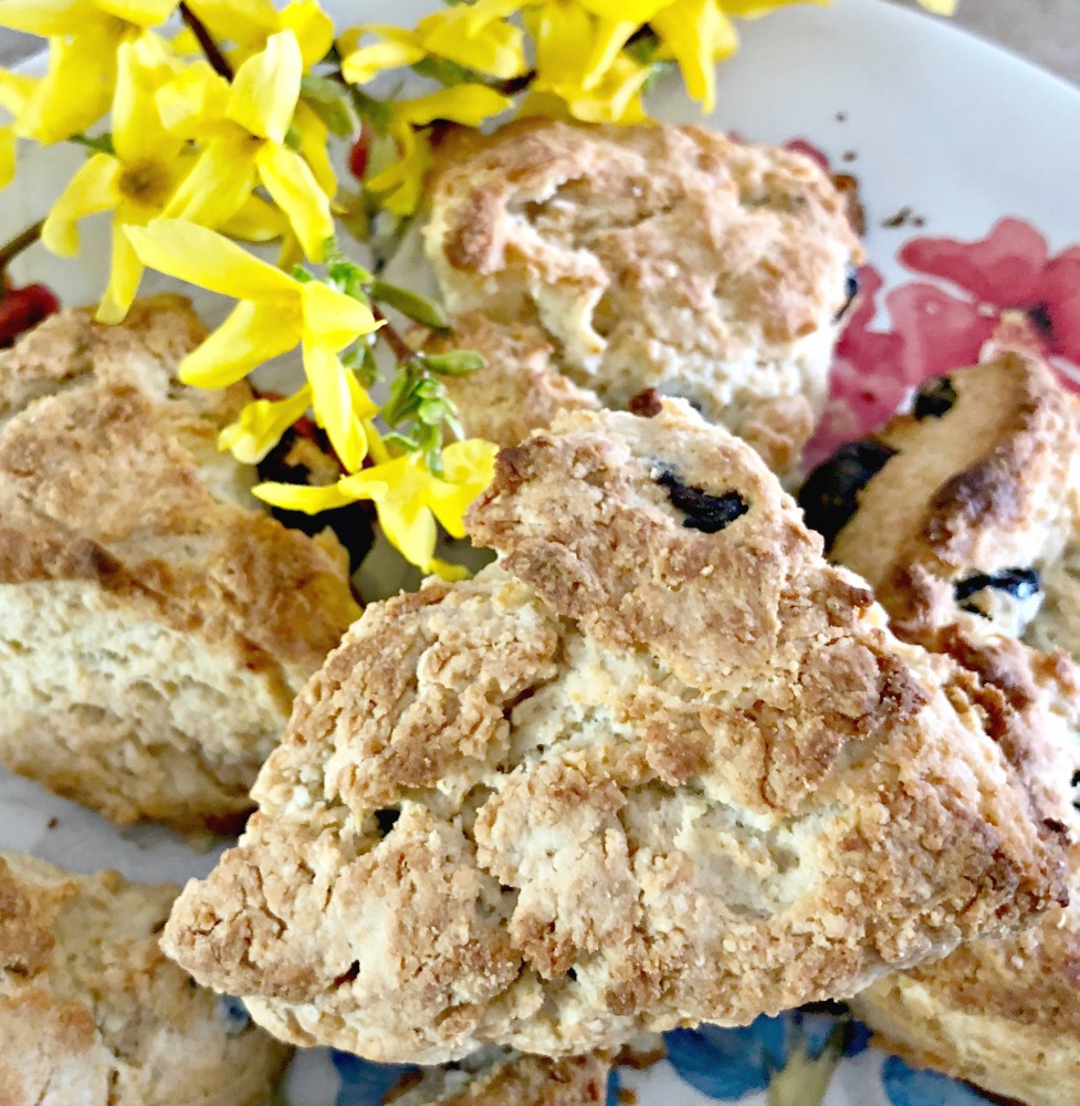 These are a really great treat for any Springtime holiday or just a good breakfast when you're feeling like something special!