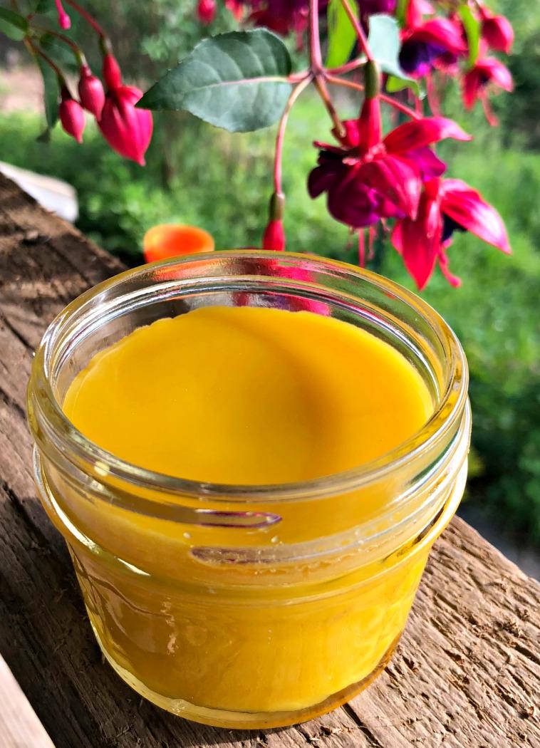 Gorgeous golden anti-itch salve---Aren't herbs just wonderful?