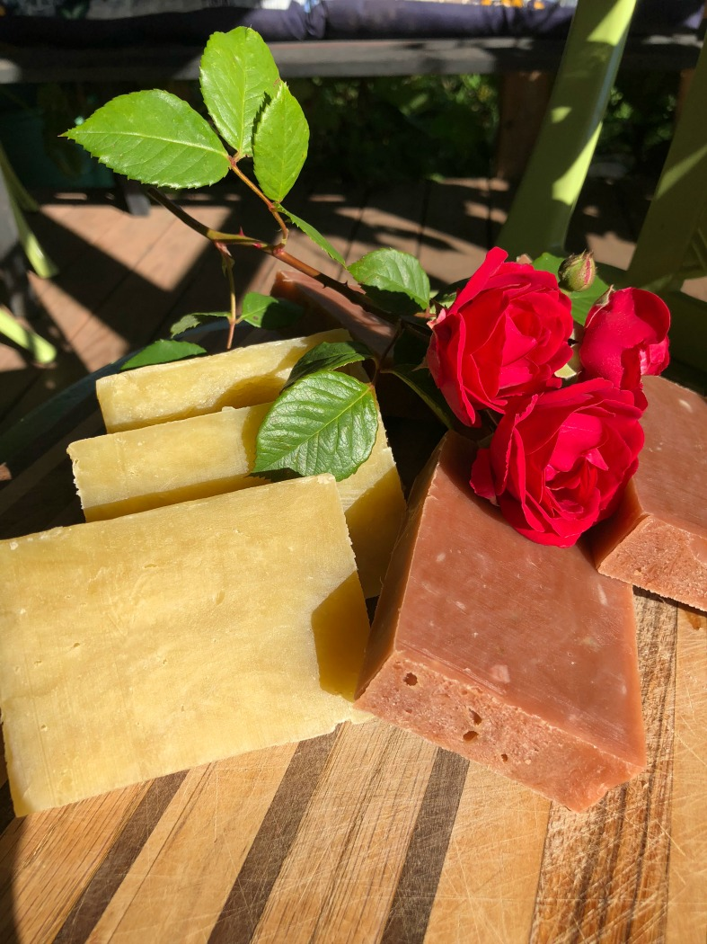 Here are two versions of this Mango-Avocado Anti-Aging Soap! See the edge on the bar at the right? You can see some little air pockets I didn't get all the way out. But they're not bad, and the soap is still delectable!