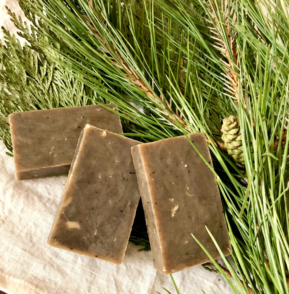 This olive green soap smells SO refreshing—-just like an evergreen forest!