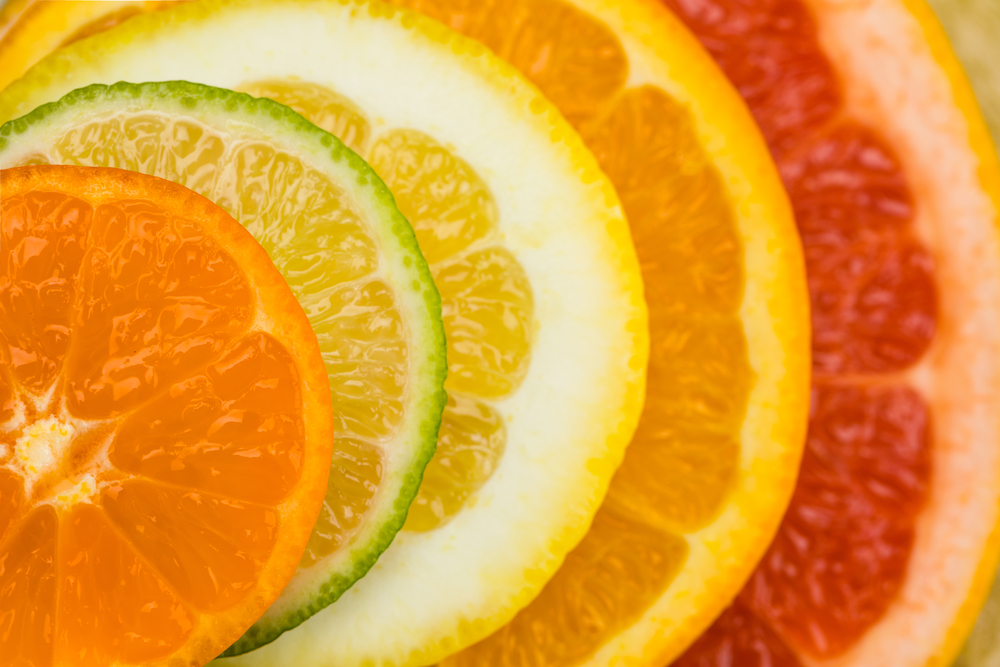 Citrus scents mixed with warm spices are SO delicious for Fall essential oil blends!