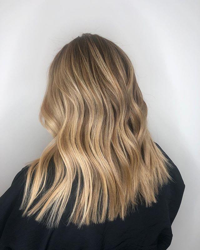 #Balayage | #haircut by Alexa @alexa_dnohair #longlayers #layers #layeredhair #lorealprofessionnel #lorealprous #freehandlightener #balayagebabe #bayareahairstylist #modernsalon #behindthechair_com #strawberryvillagemillvalley #strawberryvillage #dnosalon #dnosalonmarin